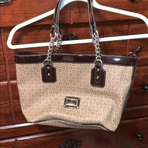 Guess two toned chocolate g purse